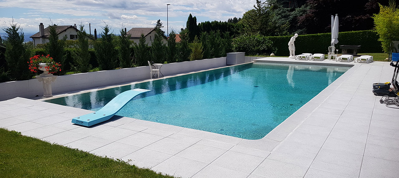 entretien de piscines b hler piscines maintenance nettoyage hivernage. Black Bedroom Furniture Sets. Home Design Ideas
